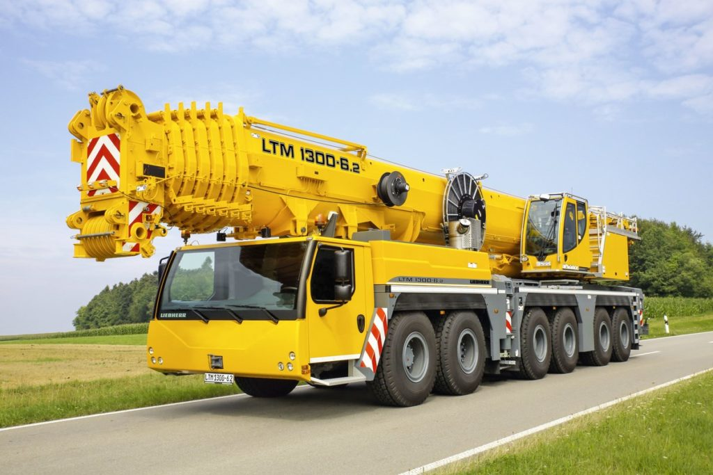 liebherr-ltm-1300-6-2-driving-position-yellow
